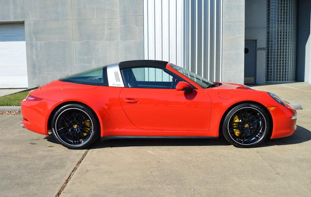 2015 Porsche 911 Targa 4S Guards Red / Black