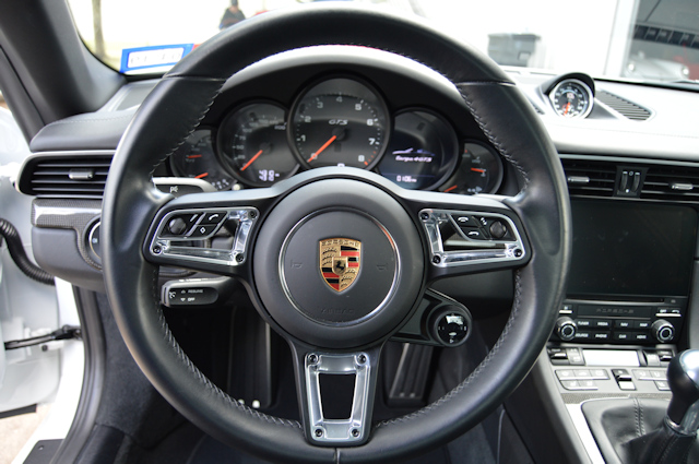 2017 Porsche 911 Targa 4 GTS Carrara White / Black