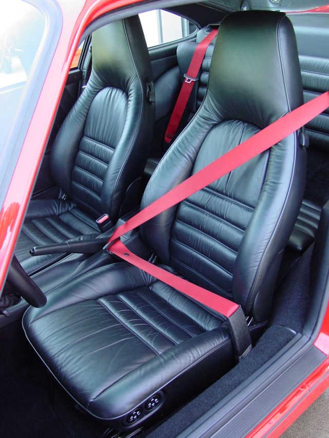 1994 Porsche 911 3.6 Turbo Guards Red / Black